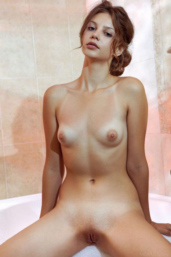 Emma Sweet Nude In Qiata MetArt Model Pictures